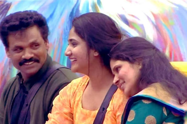 Losliya with father and mother in Bigg Boss house