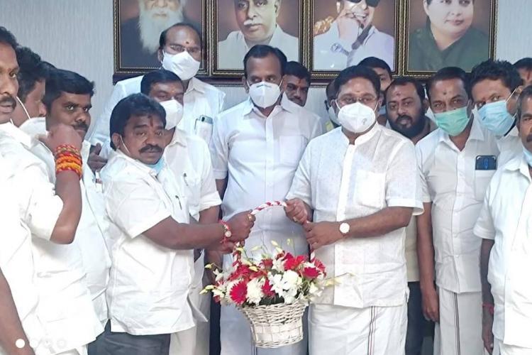 Sattur MLA MSR Rajavarman and his supporters seen with AMMK's TTV Dhinakaran