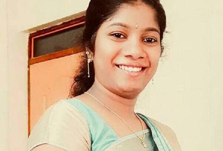 With no doctors at Ktaka rural hospital 22-year-old woman in labour dies
