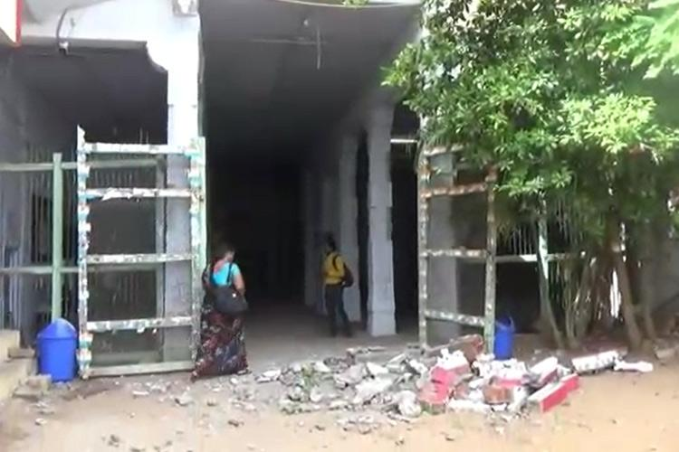 123-year-old schools balcony falls injuring 3 students in Madurai
