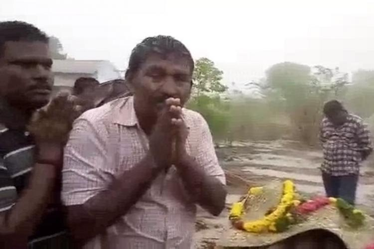 Denied access to crematorium Madurai Dalits forced to wait with corpse in the rain