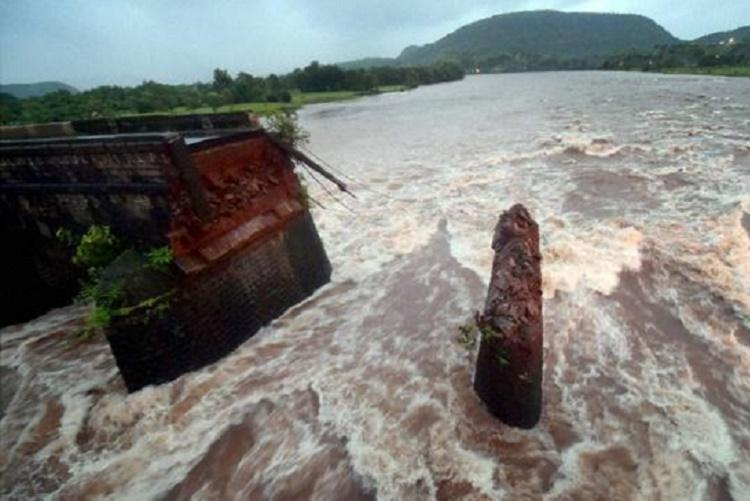 Bus wreckage of Maha bridge collapse found eight days after the tragedy