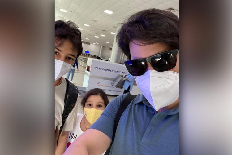 Mahesh Babu with Blue T shirt and two children wearing yellow and white coloured masks