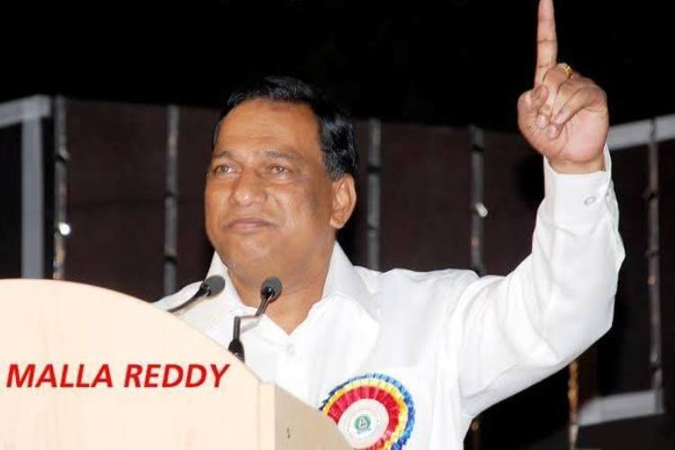 Video Jai Telugu Desamerr Telangana TDP-defector MP Malla Reddy goofs up in Kavithas presence