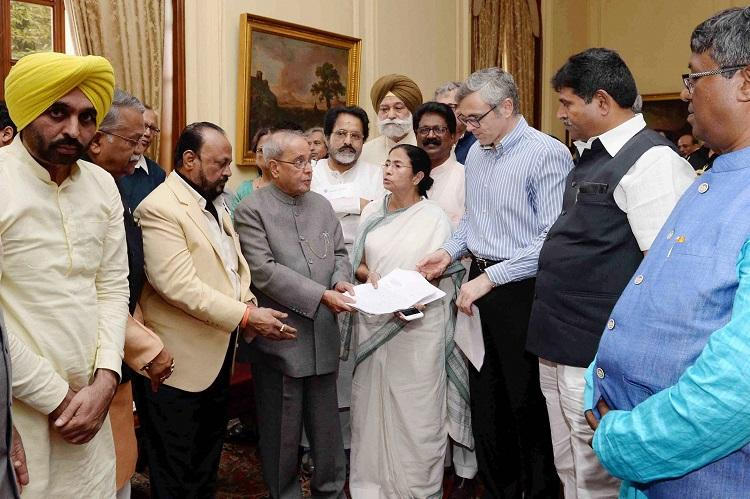 Demonetisation Mamata Shiv Sena AAP seek Presidents intervention