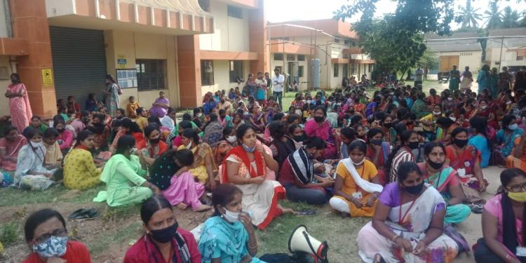 Karnataka garment factory workers resume protest over overnight layoffs