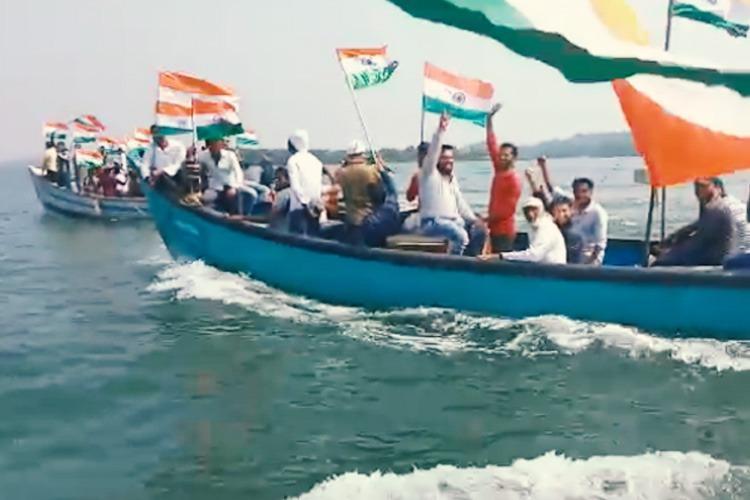Mangaluru fishermen join anti-CAA NRC protest singing Azadi on boats