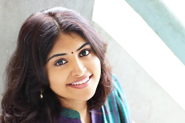Manjima Mohan finalised for Queen Malayalam remake