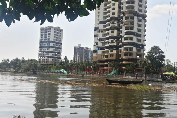 No change in Maradu apartments demolition prohibitory orders within 200m on set dates
