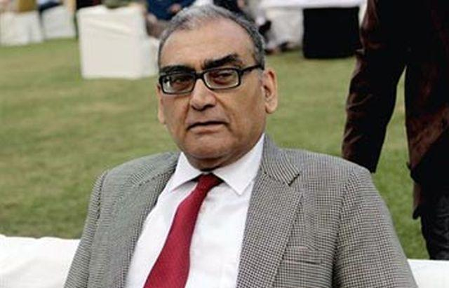Katju tells Jayalalithaa to allow use of Tamil in courts or quit