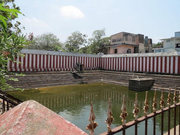 Chola-era tank in Chennai turns dumping ground