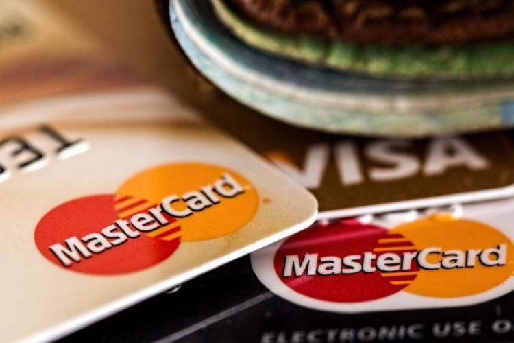 Mastercard logo on debit and credit cards