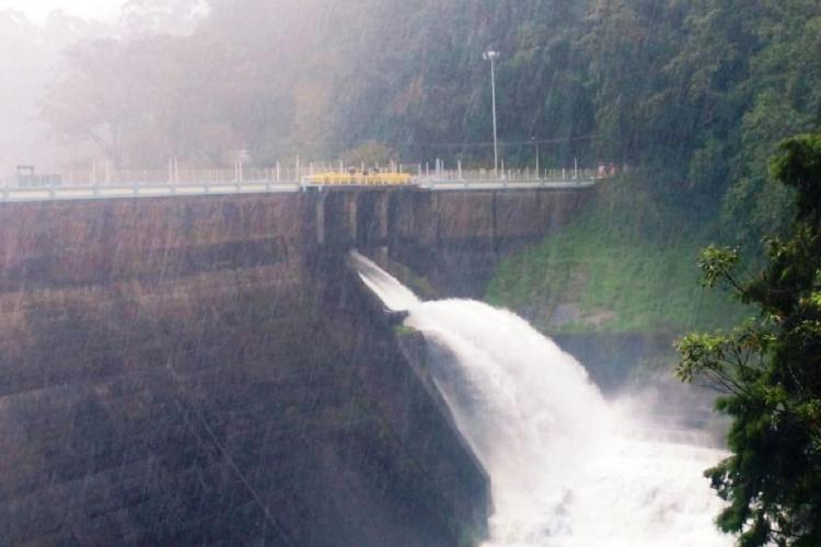 Mattupetty dam open and water pouring out