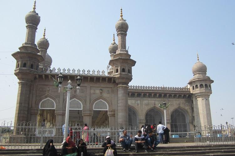 Hyderabads historic Mecca Masjid falling into disrepair thanks to govts apathy