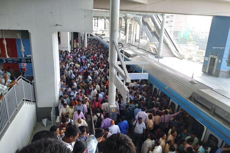 Over 1 lakh people take the ride on day one of Hyderabad Metro Rail