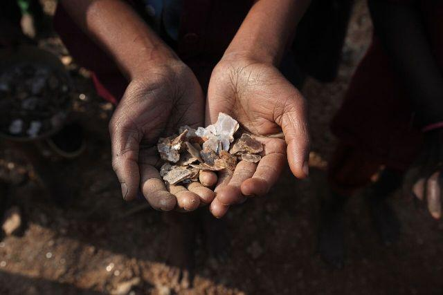 How Indias mica ghost mines have resulted in the deaths of many child workers