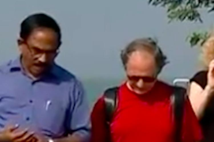 Kerala govt apologises to Nobel laureate Levitt for protesters blocking houseboat
