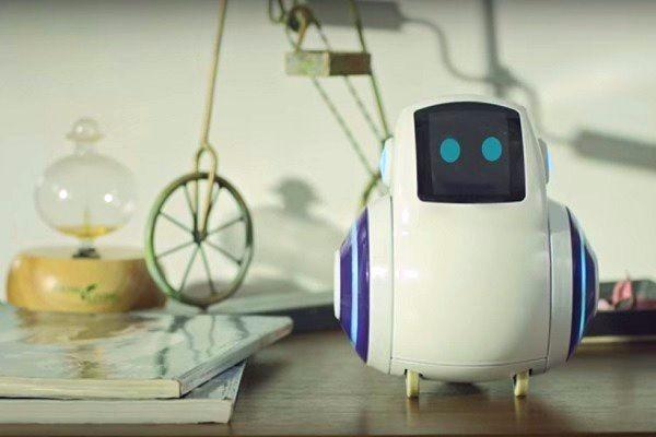 The parenting robot An AI-based companion for your kids to play with and learn from
