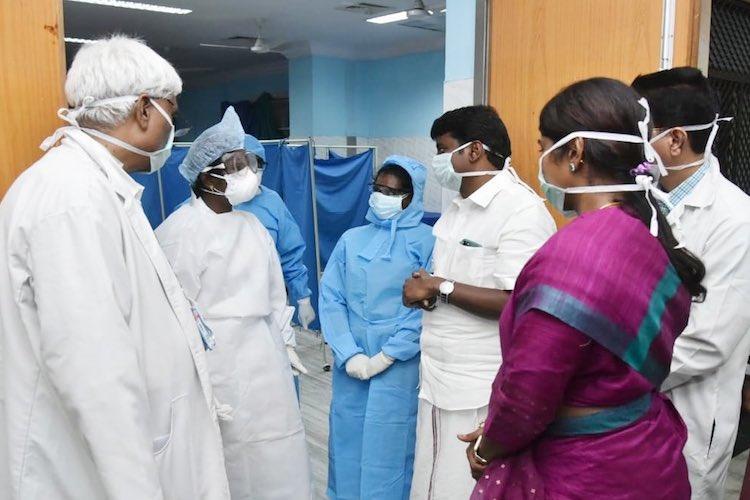 Minister Vijayabaskar inspecting a Government Hospital in Chennai
