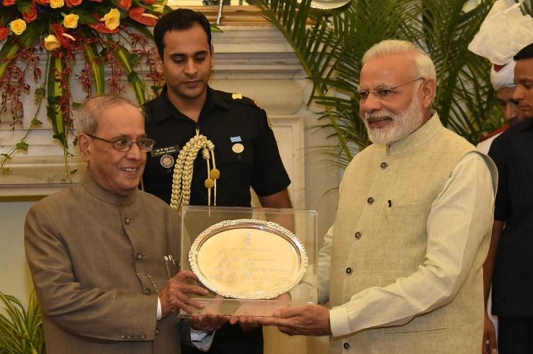 PM Modi hosts dinner for outgoing President Pranab Mukherjee