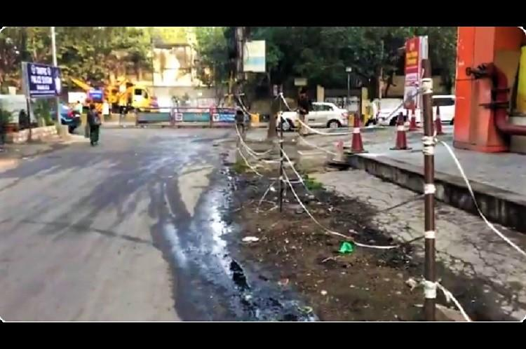 Supermarket near Banjara Hills fined Rs 1 lakh by GHMC for damaging road