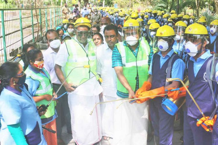 Kochi Mayor Anil Kumar with the members of newly formed squad