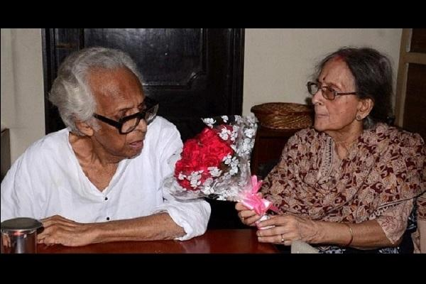 Its a hoax Mrinal Sen is fine says family
