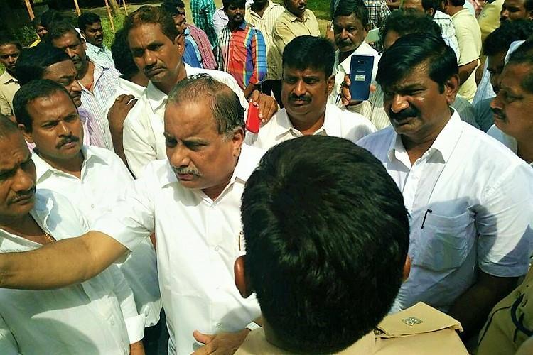 Chalo Amaravati Kapu leader Mudragada Padmanabham under house arrest as police foil padayatra