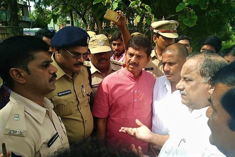 Kapu leader Mudragada not under house arrest restrictions only for padayatra Andhra DGP
