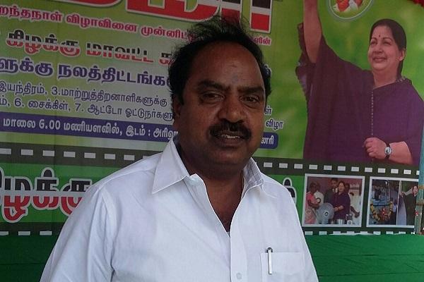 Three-member gang hacks Chennai corporator to death in full public view