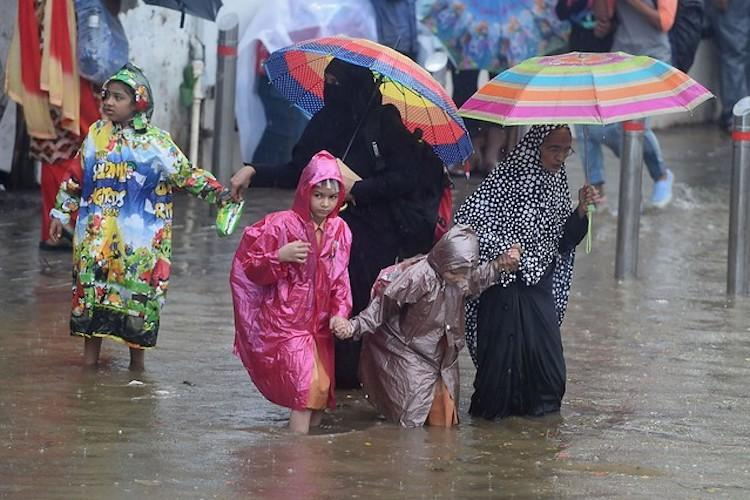 Mumbai comes to a standstill as city witnesses record July rain since 1974