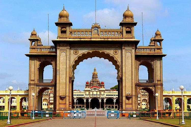 Dasara celebrations in Mysore Palace cancelled after erstwhile royal family member dies
