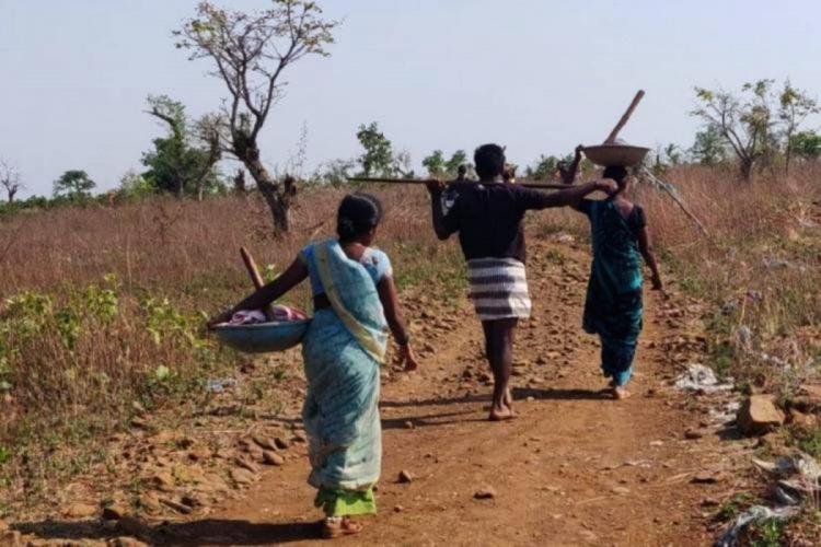 NREGA workers of Kamareddy heading to work