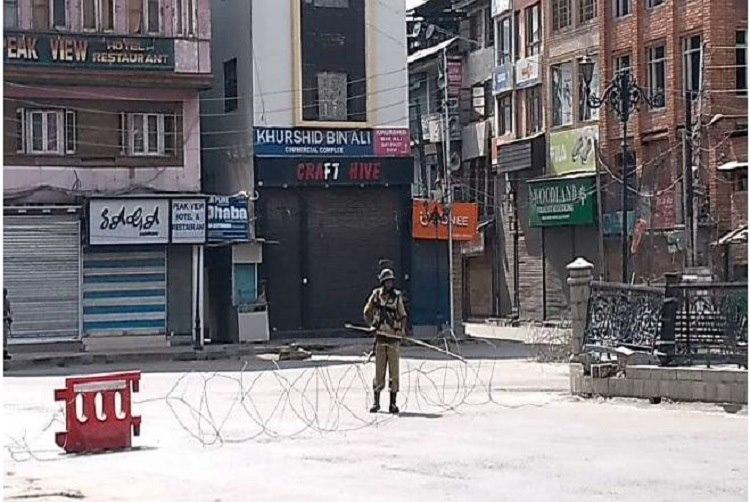 Communication blockade media intimidation What 2 journos who went to Kashmir saw