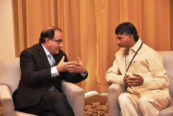 Andhra CM discusses capital development with Singapore minister
