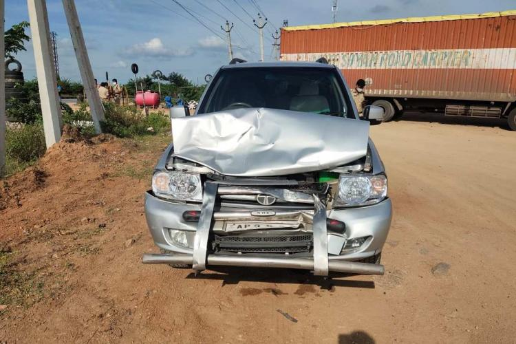A car from Chandrababu Naidus convoy which met with the accident