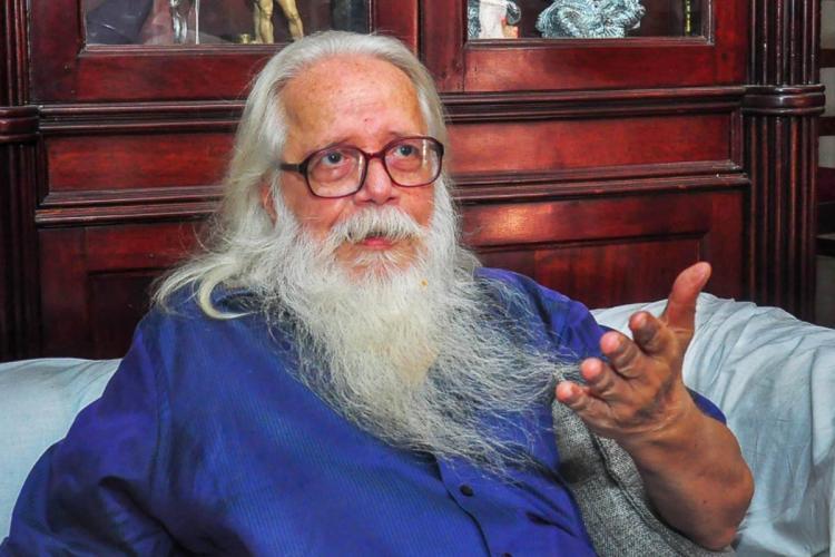 nambi narayanan sitting and talking