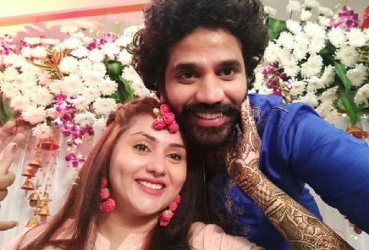 Photos Namitha glows in mehendi ceremony to marry boyfriend Veerandra in Tirupati