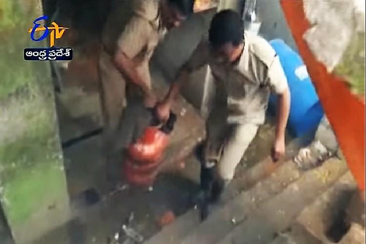 Nine injured after LPG cylinder blast in Andhra tiffin centre