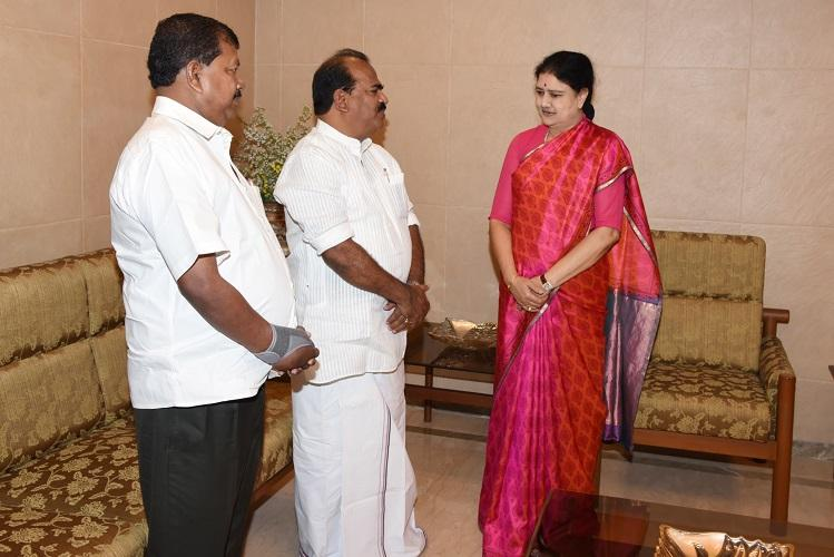 She is democratic After quitting AIADMK Nanjil Sampath is all praises for Sasikala