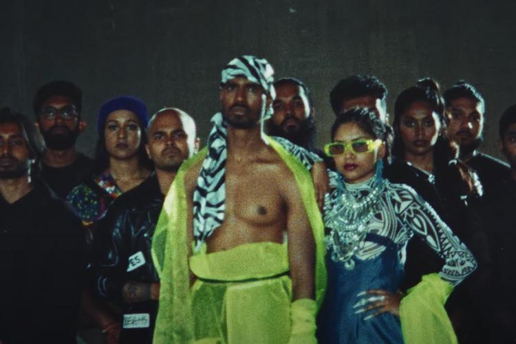 Singers Shan Vincent de Paul and Navz-47 from the music video of Neeye Oli