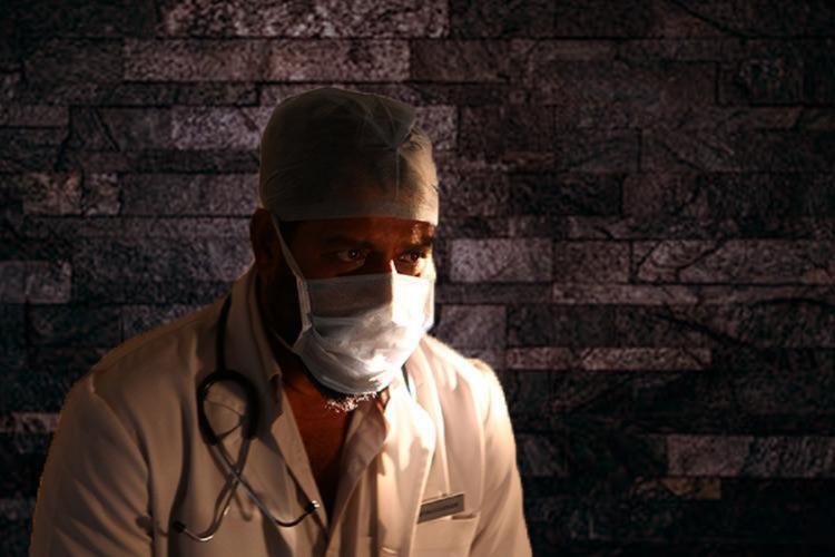 Doctors working on contract in Karnataka threaten mass resignation