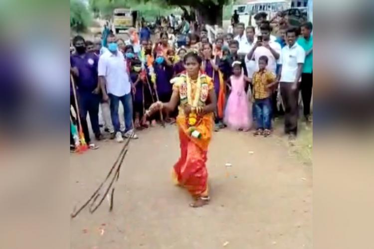 Tamil Nadu bride Nisha performing martial arts in her wedding get-up