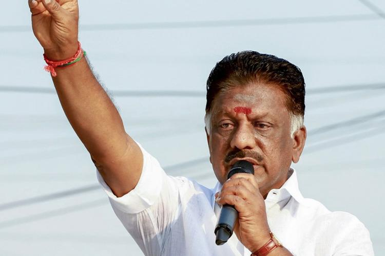 O Panneerselvam speaking to voters at an election rally in Tamil Nadu