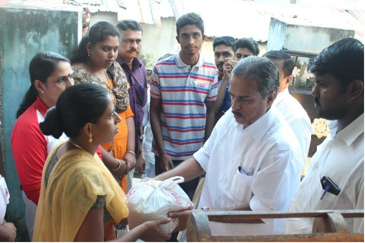 Collective brings people together to distribute 1000 kg of rice to Cyclone Ockhi victims