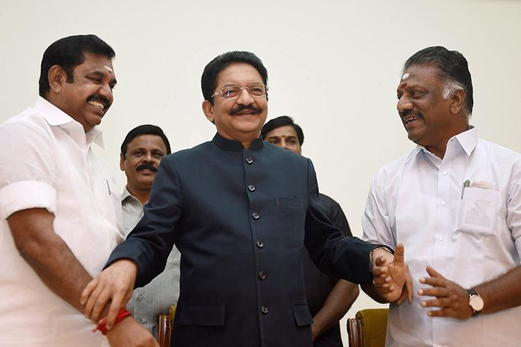 What does 19 MLAs withdrawing support to TN CM mean and what happens next