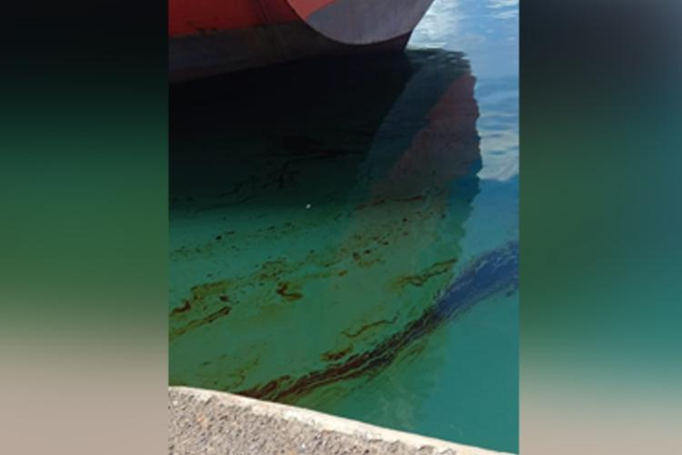 Another oil spill in Ennore port Almost 2 tonne oil enters water after hose ruptures
