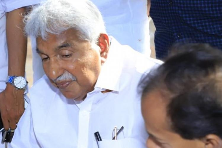 Oommen Chandy at a oublic function