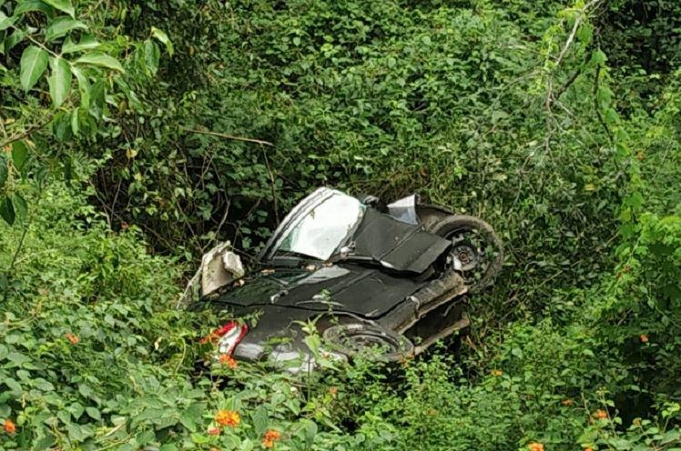Five men dead two critical after car plunges into gorge in Ooty