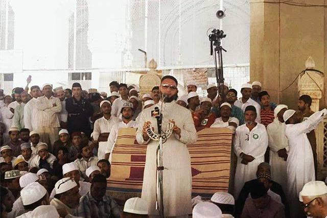 Sedition complaint filed against Owaisi for promising legal help to Hyd men arrested by NIA